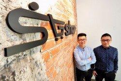 SGshop大馬公司已遷至美迪尼商業區,該公司希望藉由該區的環境氛圍,讓員工有更好的 工作體驗。左起:賴章銳和賴章宏。