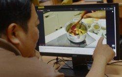雖然坊間許多人都認為女性較會把下廚當成樂趣,但根據YouTube調查,觀看烹飪視頻的我國用戶當中,男性高達44%。