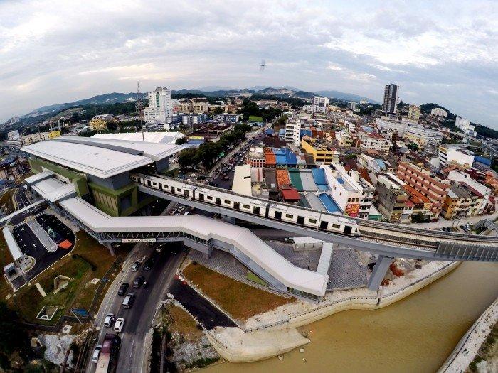 隆重點旅遊區 搭MRT就到了