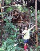 吳家傑指太平冕登山脈森林中,赫然存在一台龐大的機械,疑是與百年前的太平高山採礦有關。