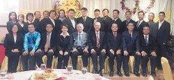 臨溪學校董事部成員合影,左起為謝月湘、林國偉、孫國華、陳燕珠、馬興松、馬興中、張雅斯、許漢宏及林明利。