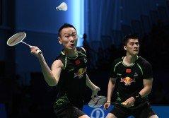 傅海峰與張楠在首場男雙佔據上風。