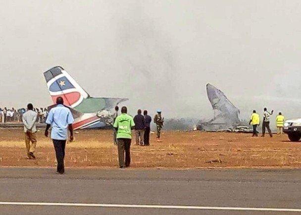 南蘇丹客機墜毀燒光 全機44人奇跡生還