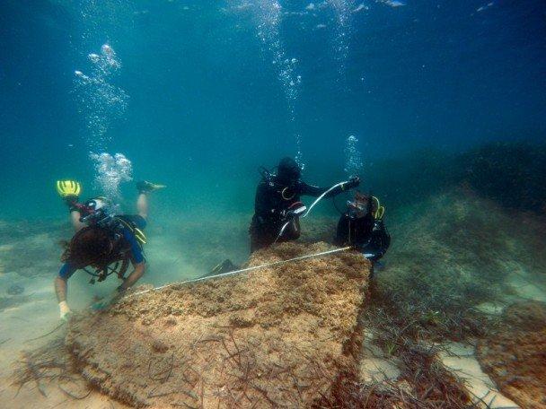 遇海啸沉睡海底 古罗马废墟重现