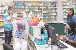 若想要食用國外的保健品,但不確定其所含有的成分,必須向藥劑師或醫生諮詢。