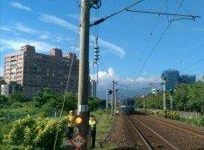 台鐵田中至民雄間列車因地震降速行駛,並於上午8時50分恢復正常行駛。