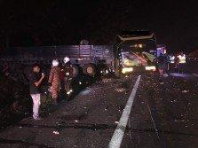 長巴與拖格羅里發生碰撞后,該路段佈滿玻璃碎片。