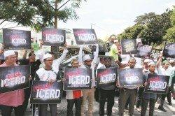 在推動簽署ICERD上,政府並沒有很好地主動去說服民眾。圖為反對ICERD的民眾。