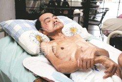 陳健鴻每天就這樣躺在床上,動彈不得。