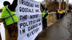 法國「黃背心」運動蔓延全球,多地示威者紛紛仿效,這股運動如今也從歐洲蔓延至北美洲的加拿大。