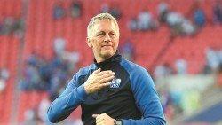 哈爾格里姆松亦宣佈卸下冰島主帥一職,並會重操故業--牙醫。