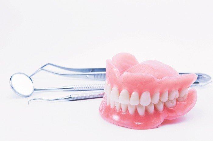 【健康】戴假牙重拾健康