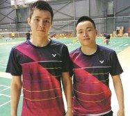 20歲的蘇偉譯(左)與21歲的謝定峰,週一才知曉自己搭上世羽賽的末班車。
