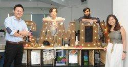 Camdy Send Gift的幕后團隊,左起為徐慶鑫、 廖進業、哈邁德扎法爾(Ahmed Zafar)和林儀婷。