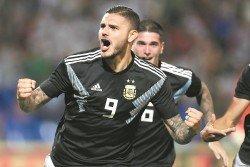 在意甲拿過兩屆金靴的伊卡爾迪(9號),終於在25歲之齡,收穫自己的阿根廷國家隊處子球!