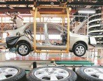 寶騰因長期的保護政策,而喪失自由市場的競爭力,后期甚至還被第二國產車(Perodua)超越。直至去年,更被前首相納吉將49.9%的股份售給中國吉利公司。(檔案照)