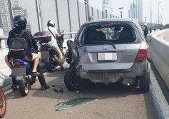 轎車誤闖柔佛長堤摩哆專用道,疑欲後退時撞倒死者騎乘的摩哆。