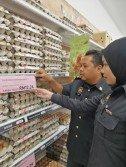 峇株巴轄貿消局展開「農曆新年價格管制計劃」,派出執法官員到各公市展開執法行動,查獲6宗違例案件。