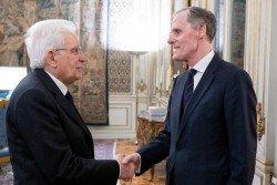 意大利總統馬塔雷拉(左)與法國駐意大利大使馬塞,在羅馬的意大利總統府會晤。(意大利總統府新聞辦公室)