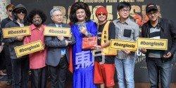 《猛加拉殺手》演員賽夫阿伯(左起)、拿督大衛阿魯木甘、艾爾法(Alfa)、發財寶、導演兼演員黃明志、監製張捷惟和沙士塔仁為電影造勢。