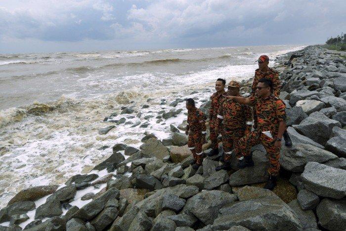 「帕布」吹襲東海岸 民眾避免海上活動