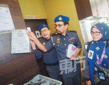 阿茲曼勒令泰式餐廳移除食材供應商的清真執照,以免誤導食客。(攝影:陳啟新)