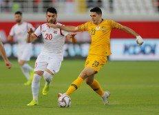 澳洲前腰羅基奇(右)在第93分鐘的進球,將敘利亞打入深淵,也重燃了巴勒斯坦晉級16強的希望。