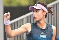 中國選手王薔(圖)週三在澳網女單第二圈,以直落兩盤擊敗塞爾維亞的克魯尼奇,晉級32強,創下個人澳網最好成績。