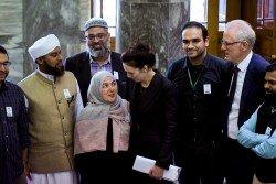 紐西蘭總理阿德恩週二在國會大廈會晤穆斯林社區領袖。