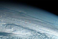 去年12月18日中午,一顆小行星穿越大氣層後,在白令海上空爆炸。