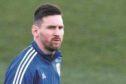 由于突然受到傷病的困擾,阿根廷巨星梅西能否在迎戰委內瑞拉的友誼賽中,上演復出依然是未知數。