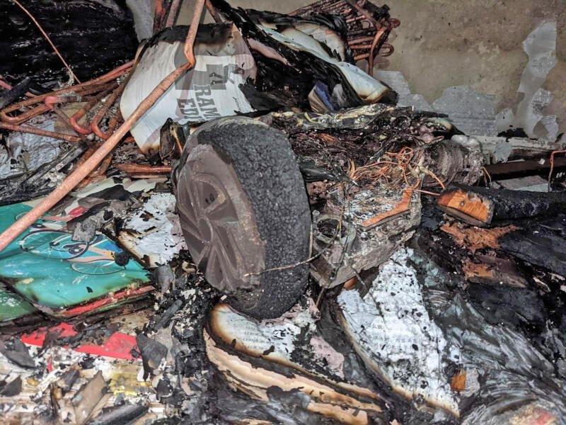 初步调查显示,火患是电动踏板车电池引起。(取自新加坡民防部队面子书)