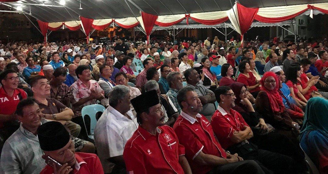 """首站""""新马来西亚之路""""政治讲座会在吉打亚罗士打举办,吸引大批民众出席聆听。"""