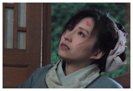 龚嘉欣在戏里惨遭丈夫陈世美(黄子恒饰演)抛弃及谋害。(图取自网络)