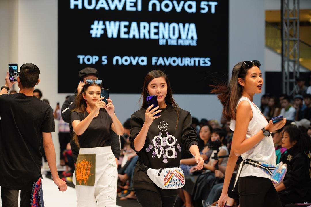华为nova 5T日前在吉隆坡时装周抢先亮相。