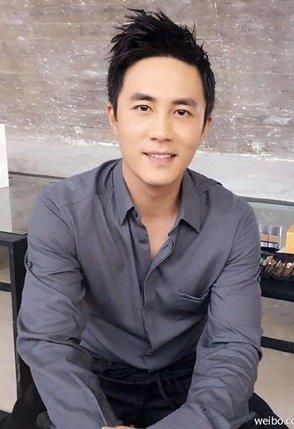 中国男星杜淳。