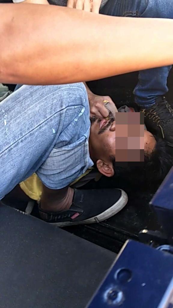 嫌犯遭警方制伏。