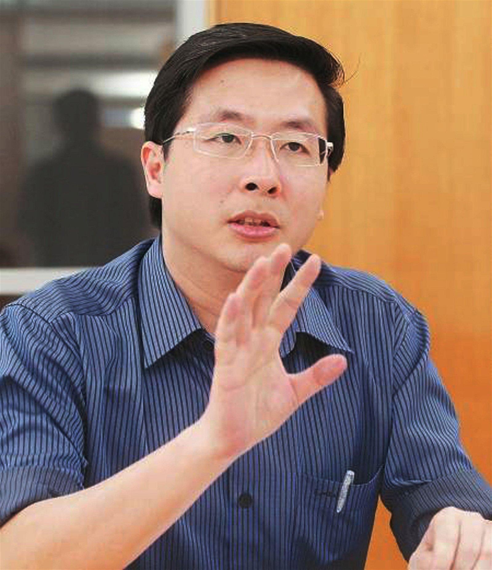 政治评论员潘永强
