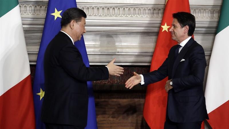 左起:中国国家主席习近平、意大利总理孔特。