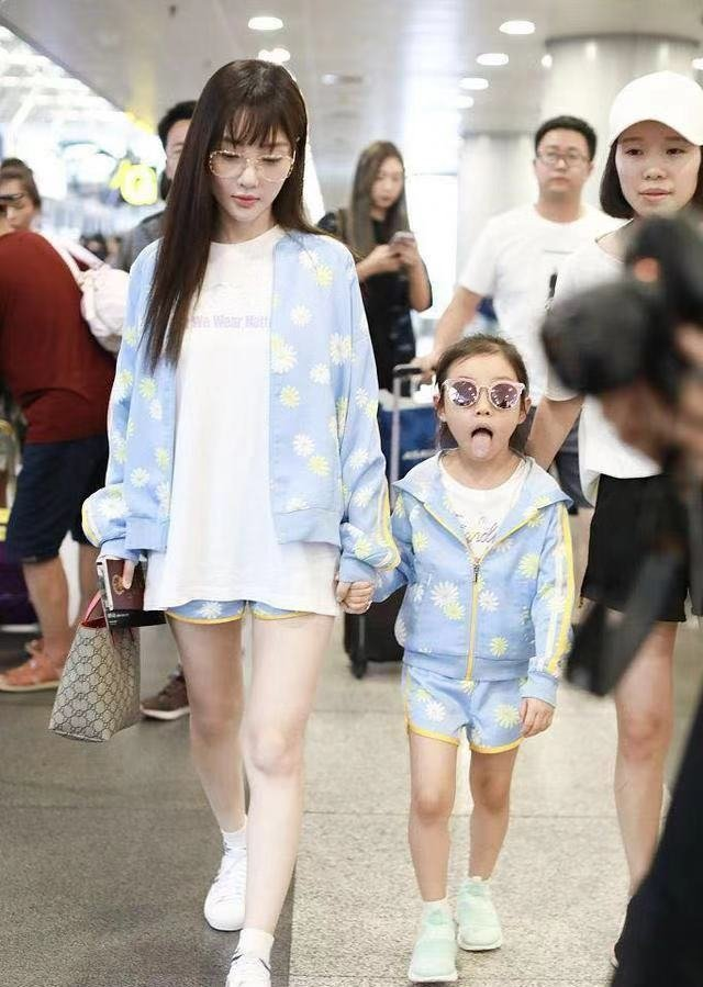 李小璐自曝因甜馨放弃轻生的念头。