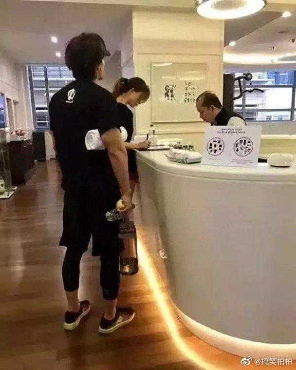 林志玲婚前曾被拍到与言承旭一齐健身。