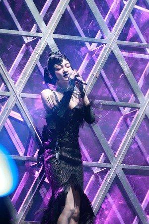 张韶涵在南京举办演唱会。(图取自微博/新浪娱乐)