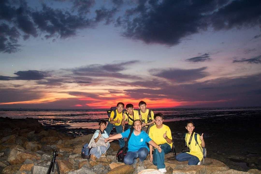 林慧涵带领学生外拍摄影,与学生一起学习交流及切磋。