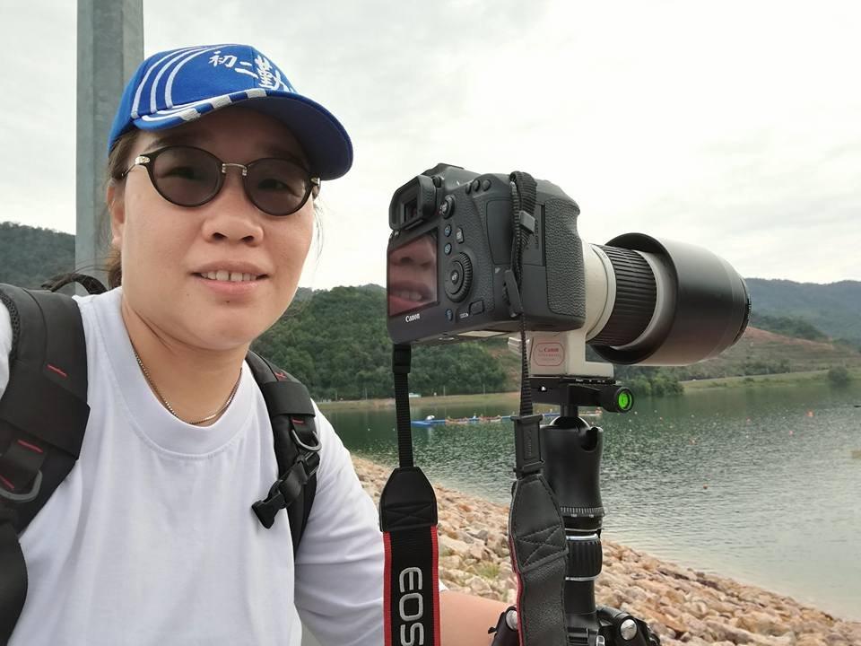 林慧涵与学生一起学习摄影,并在不开心时独自外出拍摄,尤其拍摄日出日落的景象可疗愈其负面情绪。