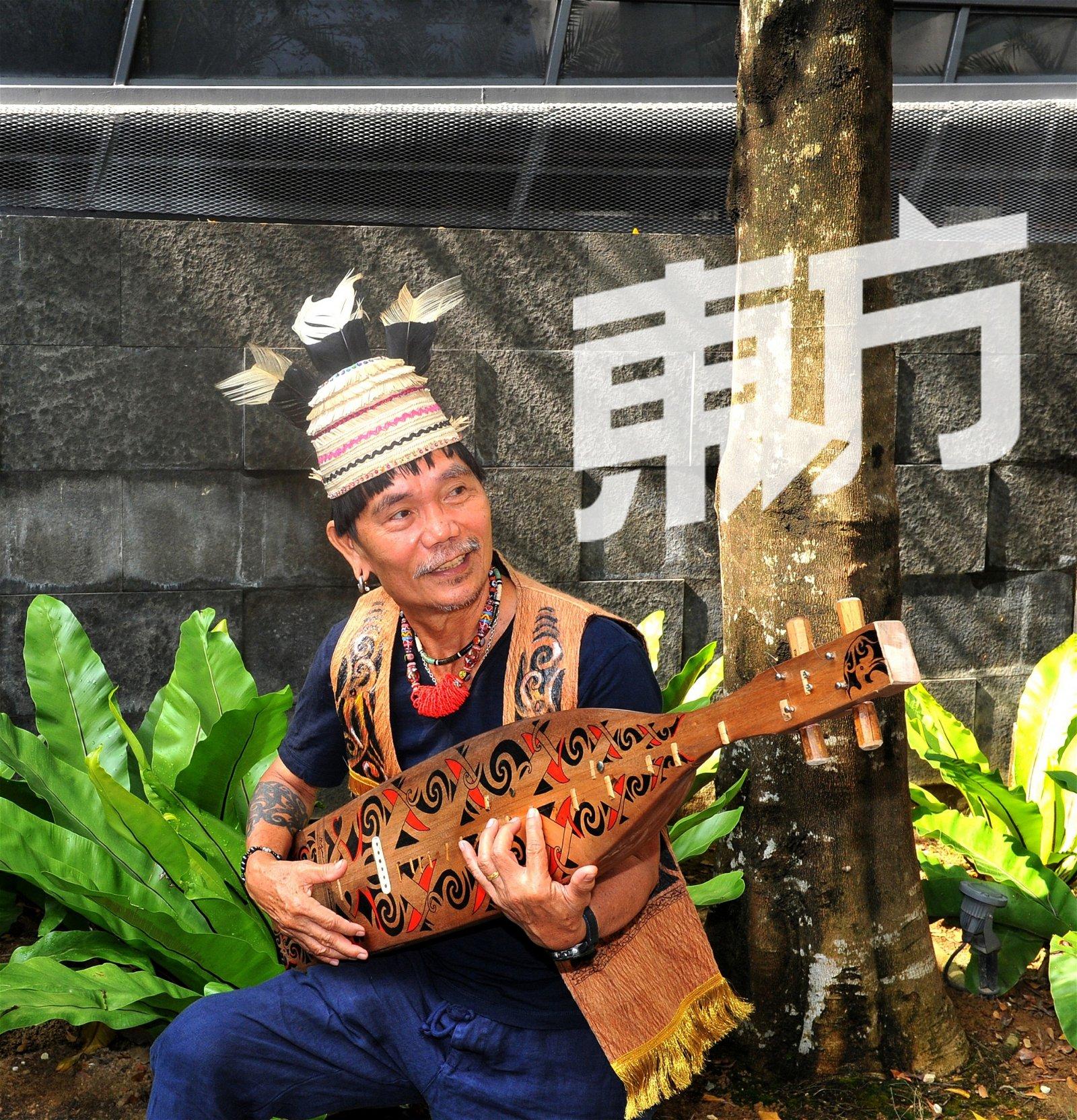 弹奏传统乐器和唱歌跳舞不只是艺术,它更像我们的一种生活形式。——Mathew