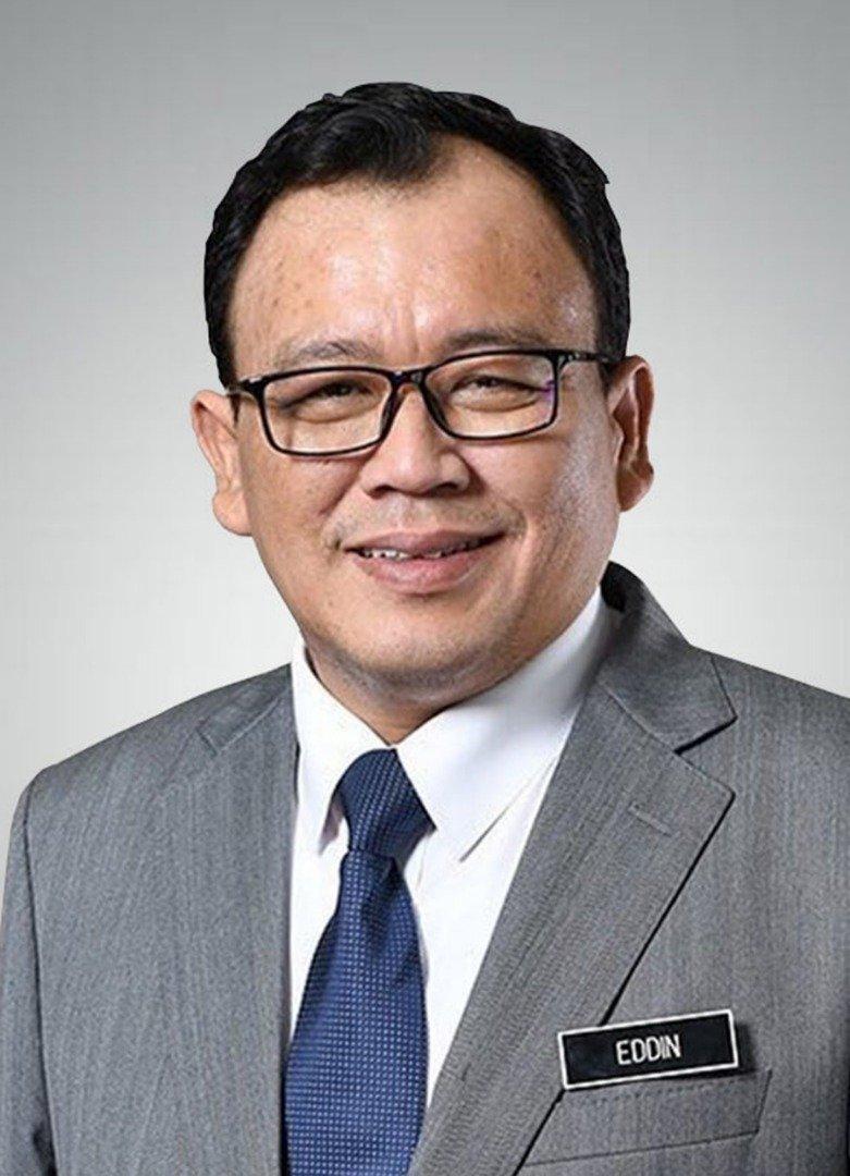 首相署(经济事务)副部长拿督依丁沙兹里
