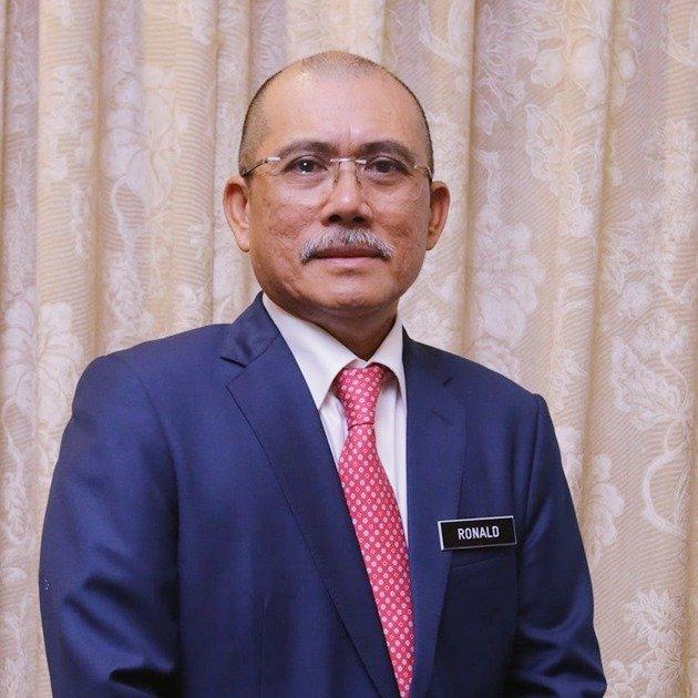 农业及食品工业部部长拿督斯里罗纳建迪