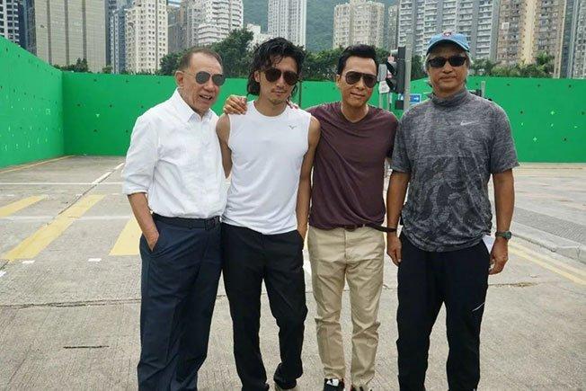 谢霆锋和甄子丹都十分怀念故友陈木胜(左四)。
