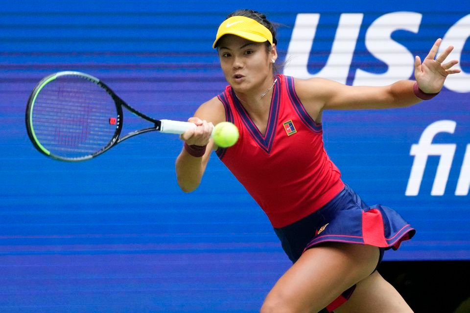 拉杜卡努也成为首位从资格赛勇夺大满贯赛冠军的选手。(图取自路透社)