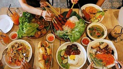"""""""越南味""""餐馆提供越南河粉、越南咖啡、越南法式面包、越南鸡排饭等不同的越南美食,深获消费者的好评。"""